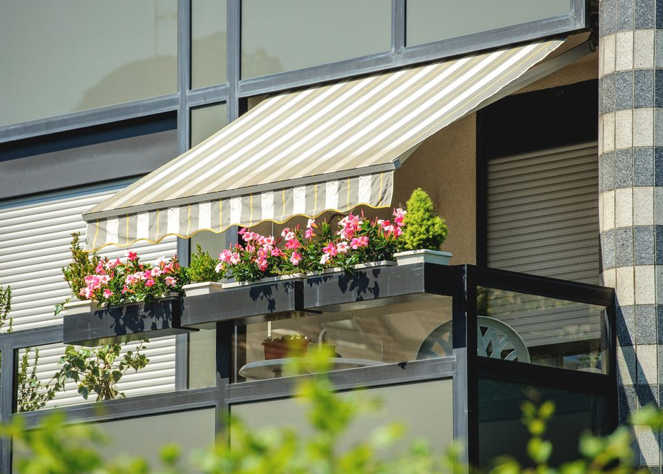 can-i-install-awning-outside-my-condo